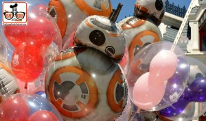 DNP April 2016 Photo Report: Magic Kingdom: no more Death Star Balloons - BB8 is the go to these days...