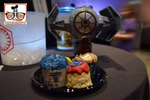 Hollywood Studios March 2017 - Launch Bay Dessert Party! With Bubble Maker (Not included)