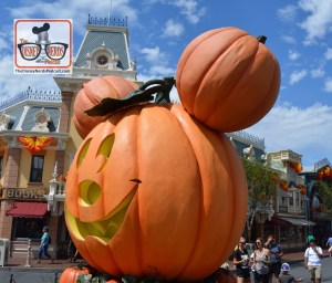 Halloweentime on Main Street USA - Disneyland