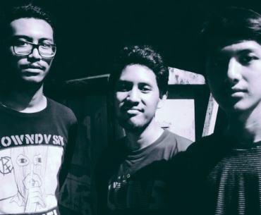 """Uncanny, an alternative/noise rock trio comprised of Muhammad Suryokusumo (guitar, vocal), Athif Aiman (drum) and Indra Suhyar (bass) introduce their latest single called """"Lone Survivor""""."""