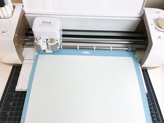 Iron-on material placement on the Cricut Explore Air 2