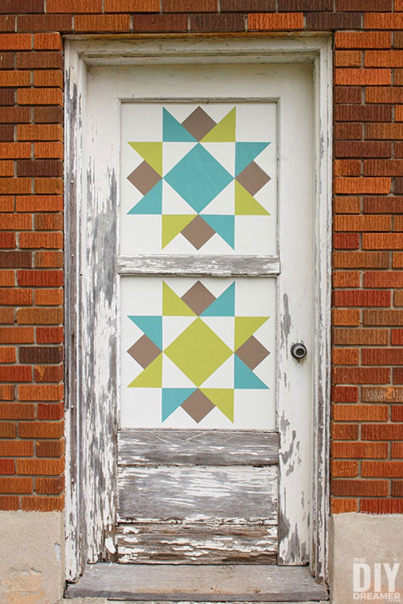 How to make a barn quilt door using an old door and DIY barn quilts.
