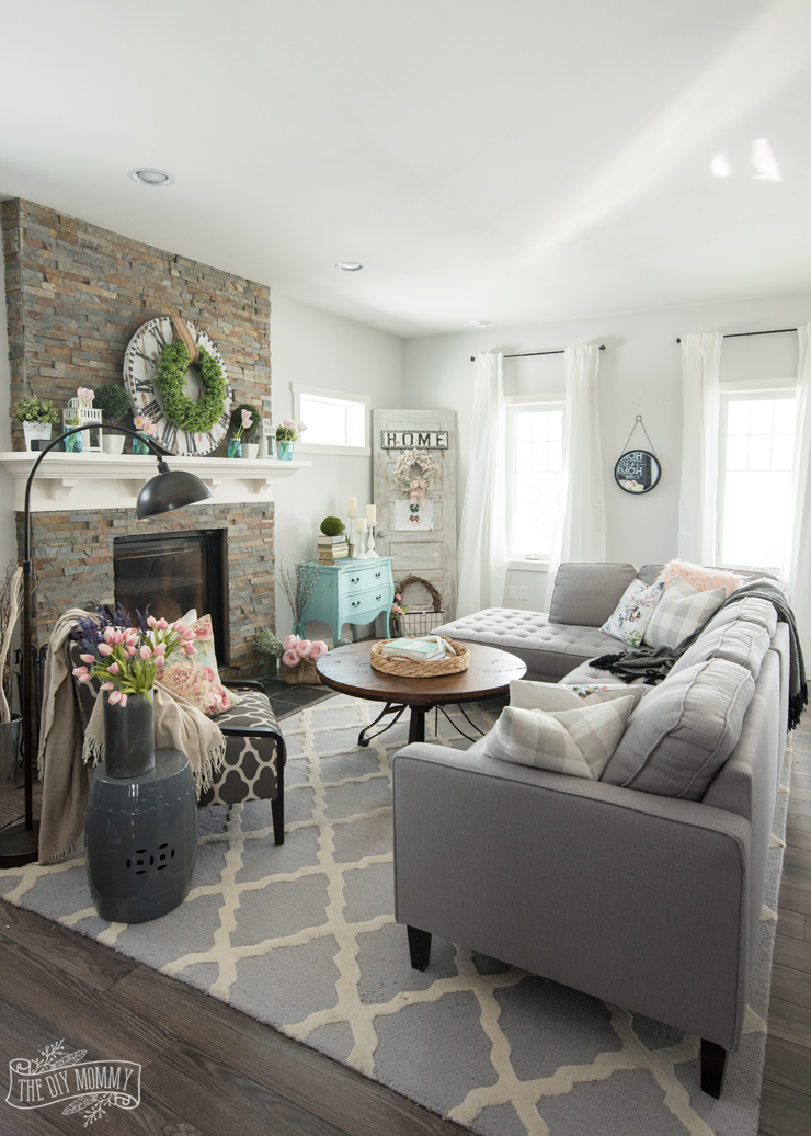 2017 Spring Home Tour | The DIY Mommy on Small:szwbf50Ltbw= Living Room Decor Ideas  id=14814