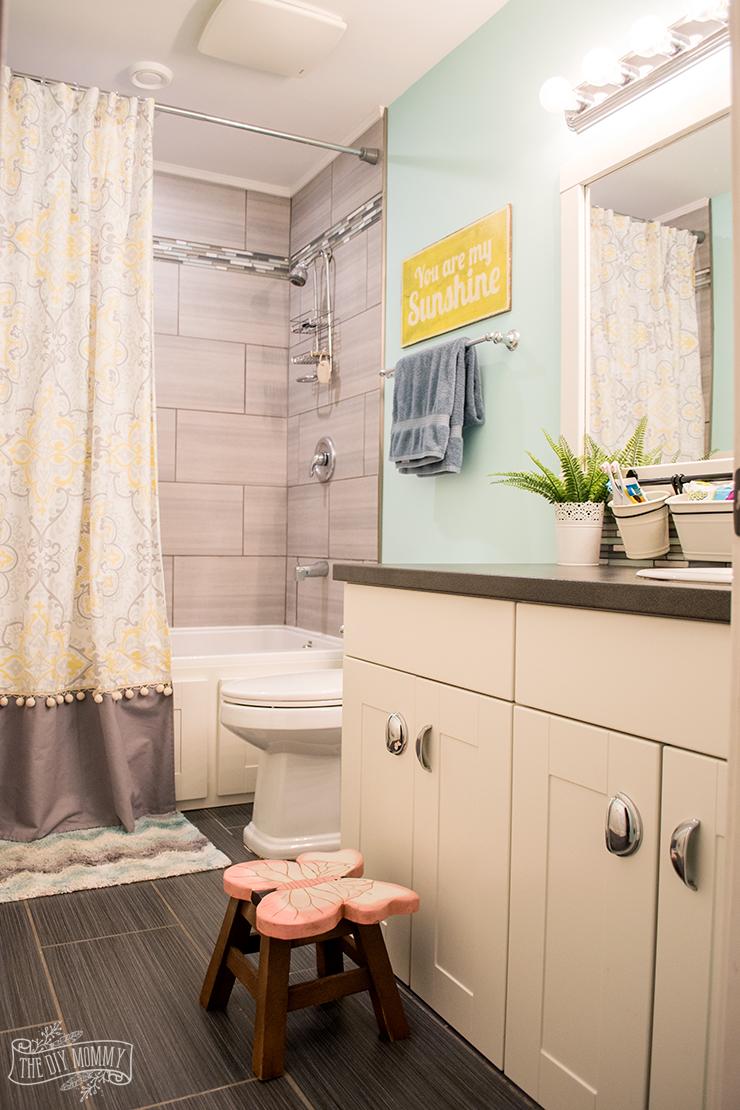 Kids Bathroom Organization Ideas + Free Printable Bathroom Art on Fun Bathroom Ideas  id=53171