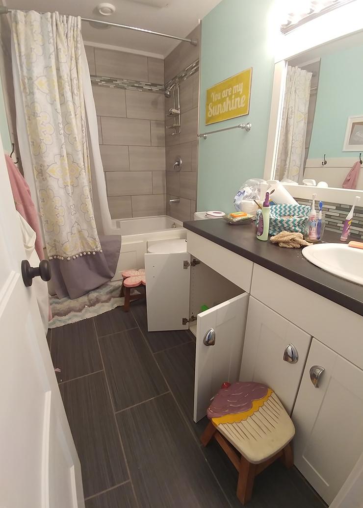 Kids Bathroom Organization Ideas + Free Printable Bathroom ... on Fun Bathroom Ideas  id=68543