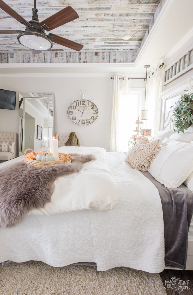 Cozy & Easy Fall Bedroom Decorating Ideas on Room Decore  id=75526