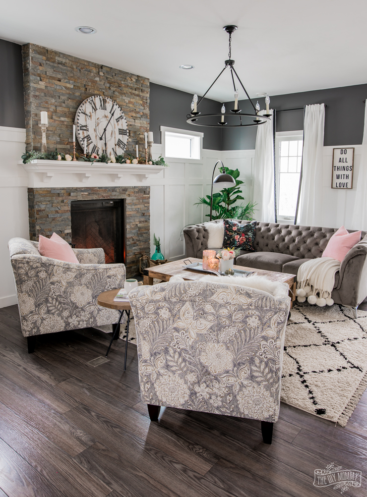 A Cozy, Rustic Glam Living Room Makeover for Fall on Rustic Traditional Decor  id=38269