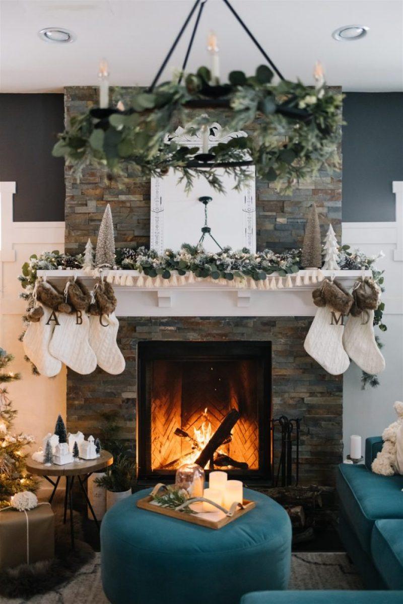 Rustic Boho Christmas Mantel decorating ideas