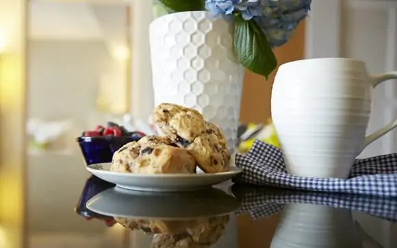 scones and berries