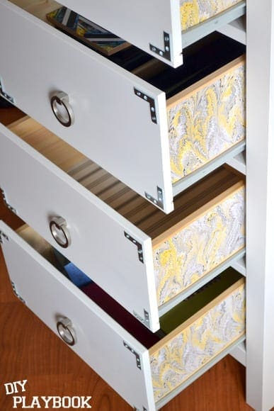 3 drawers with liner