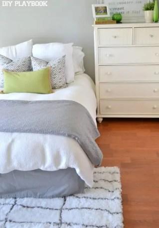 gray-white-shag-rug