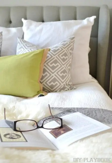 Reading-on-bed