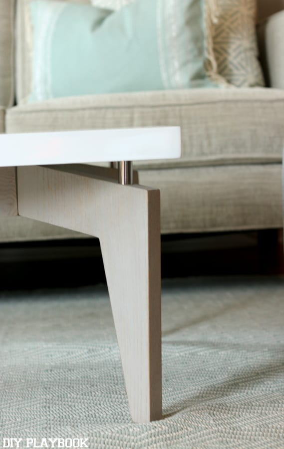 maggie table