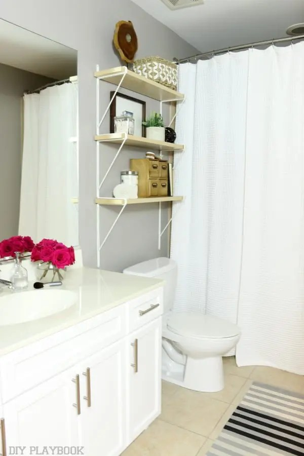 how to style bathroom shelves + reveal - diy playbook
