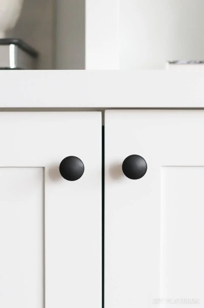 new-hardware-back-knobs-cabinets