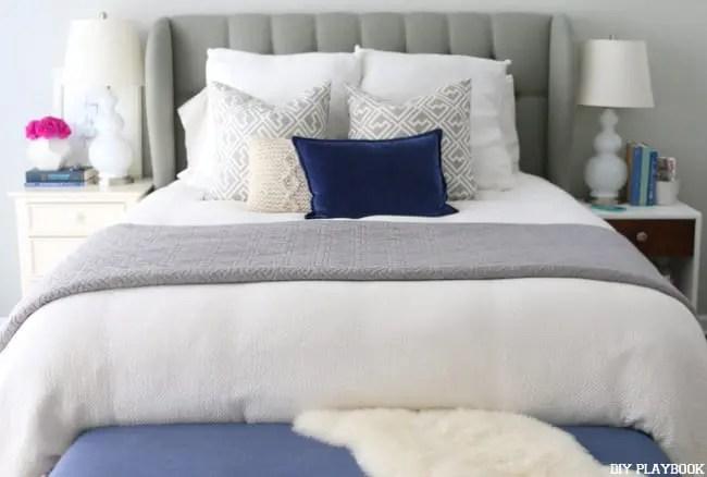 05-casey-master-bedroom-headboard-bedding-pillows