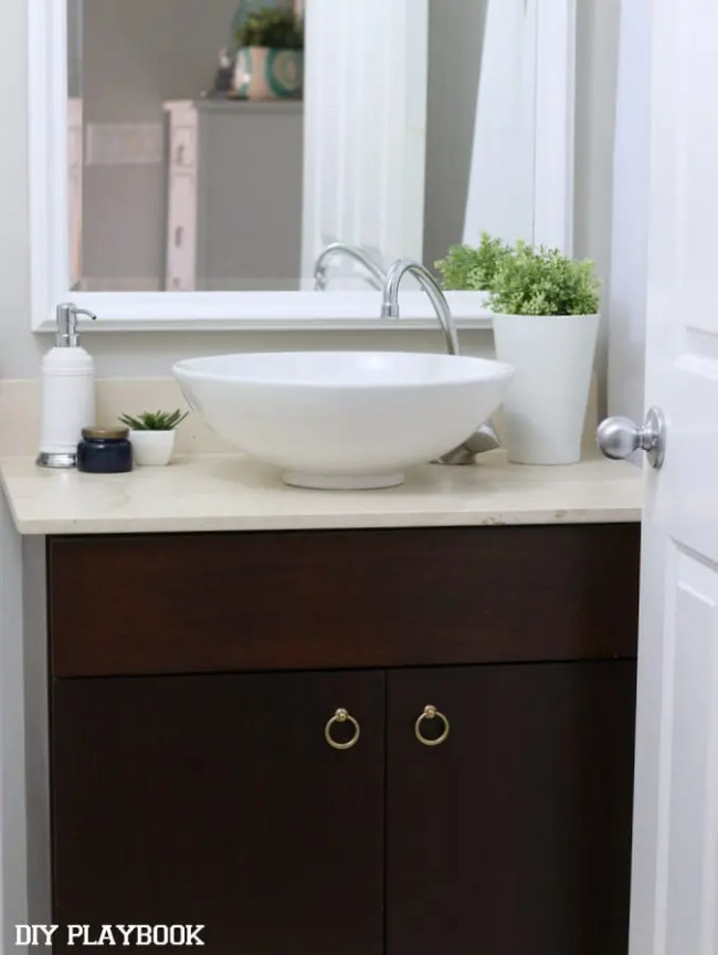 03-bowl-sink-bathroom-vanity