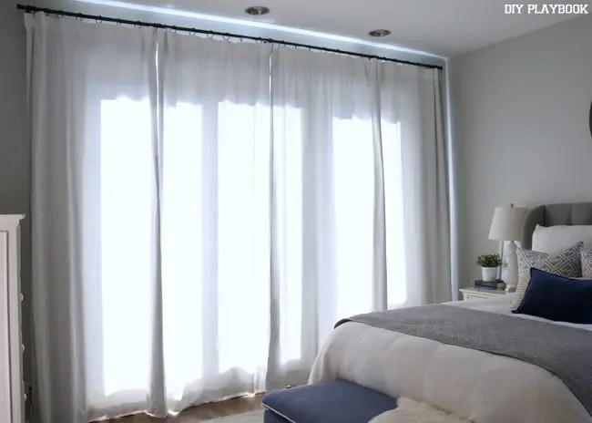 17-closed-bedroom-curtains