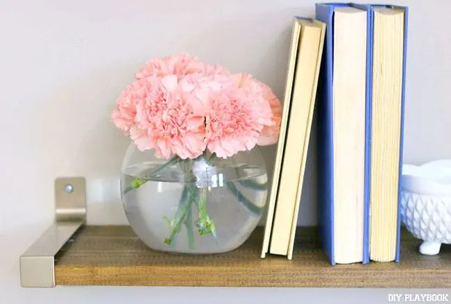 Flower-Vase-of-Carnations
