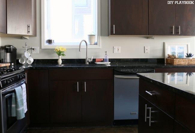 02-augusta-kitchen-before-backsplash-sink-area