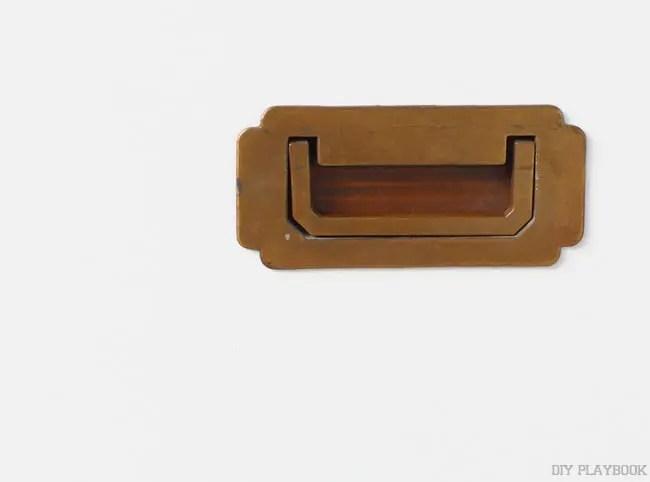 07-gold-campaign-dresser-handle