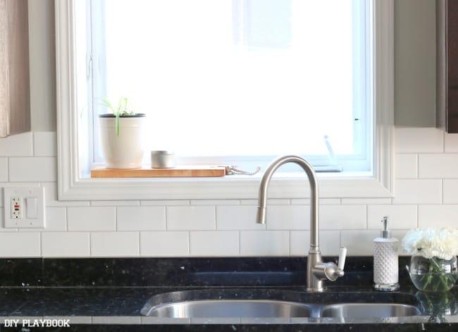 11-sink-area-backsplash-subway-tile