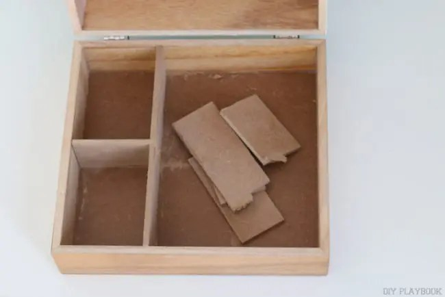 04-dividers-broken-box
