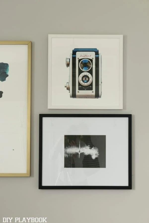 bedroom_frames_gallerywall_camera