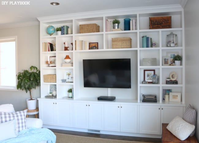 bookcase-built-ins-family-room-television