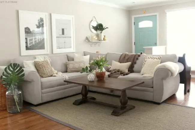 family_room_couch_pillows_flowers_Bridget-005