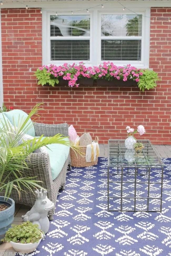 Bridget_Patio_Furniture_flowers_plants-15