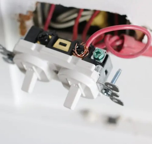 changing_electrical_light_switch-10