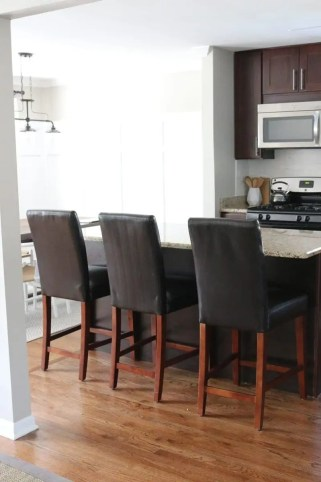 white_counterstools_kitchen-15