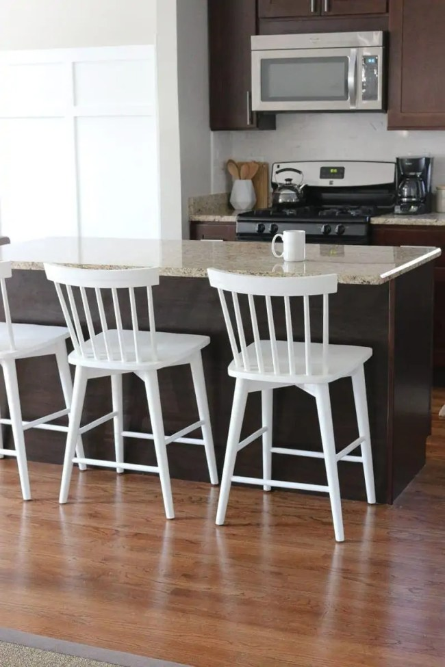 white_counterstools_kitchen-3