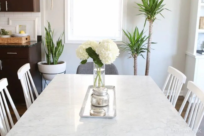 dining-room-table-marble