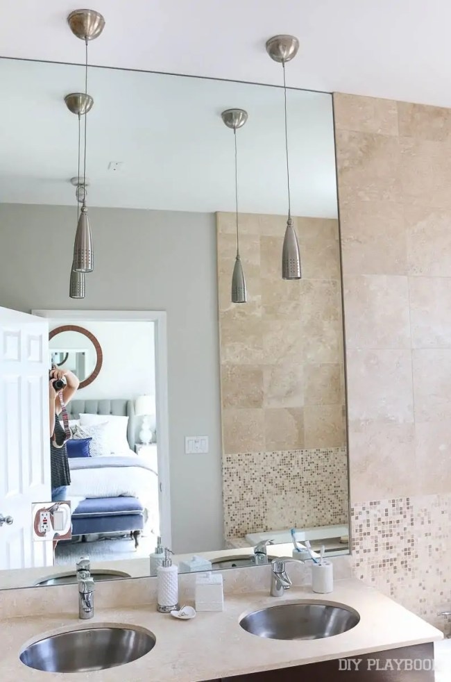 master-bathroom-pendants-before