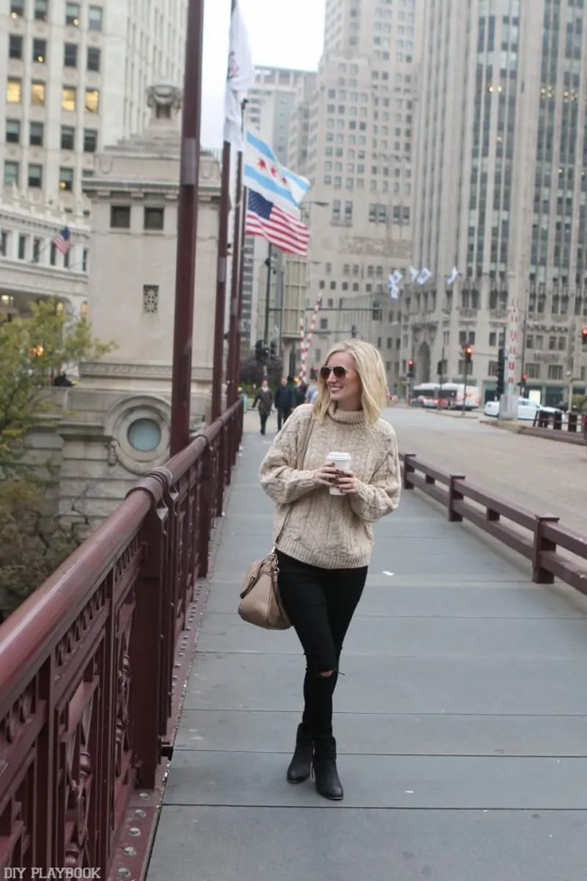 chicago_bridget_fashion_fall-sweater-michigan-ave-sweater