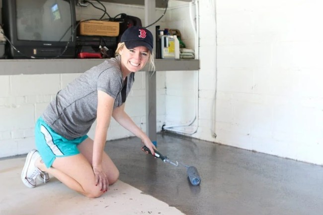 diy-garage-epoxy-rustoleum-bridget-painting
