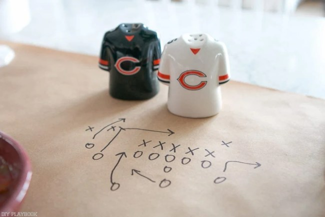 nfl_chicago_bears_homegating-salt-pepper