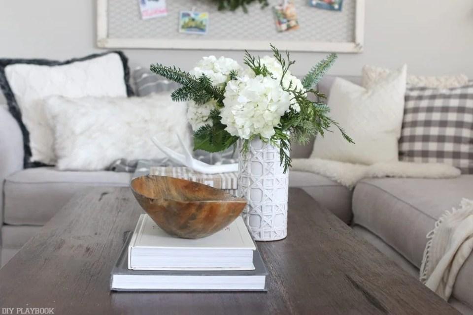 coffee-table-decor-christmas-bowl