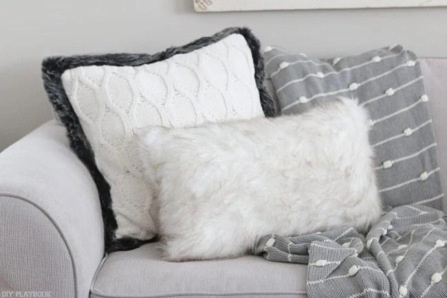 winter-white-pillows-faux-fur