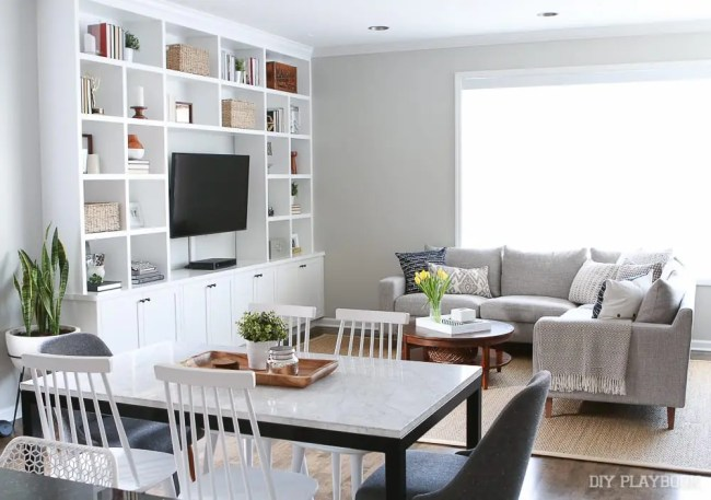 couch-family-room-built-ins