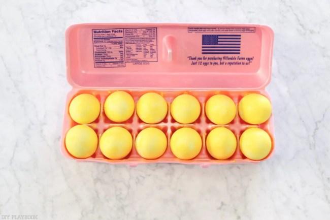 DIY_Emoji_Easter_eggs