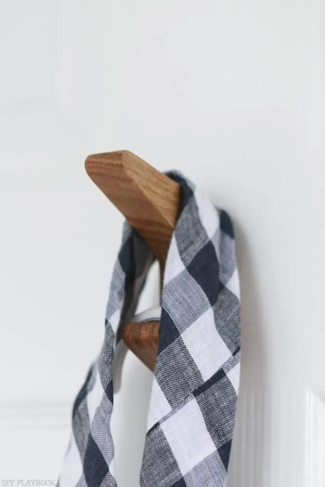 Hook-with-tie