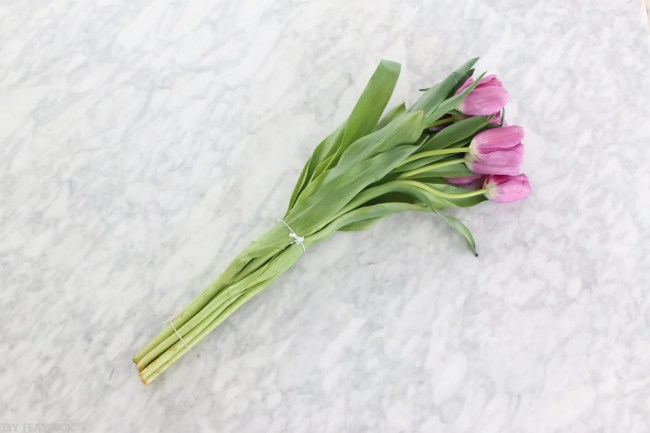 How-to-arrange-tulips-2