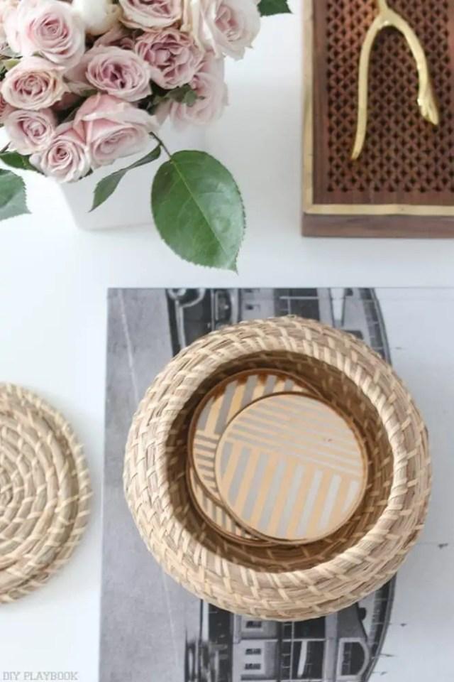 round_modern_coffee_table-basket_coasters