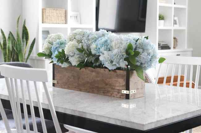 DIY_Flower_Box_Kitchen_Tablejpg