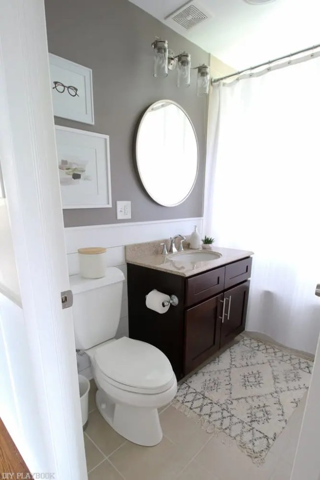 bathroom_round_mirror