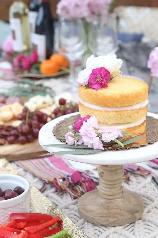 Moroccan_Table-cake-stand-naked-cake