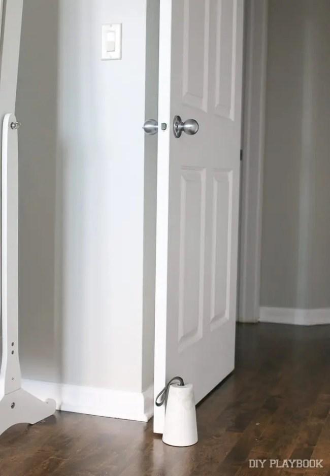 doorstop-cb2-marble-3